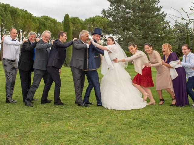Le mariage de Yoann et Eva à Crillon le Brave, Vaucluse 42