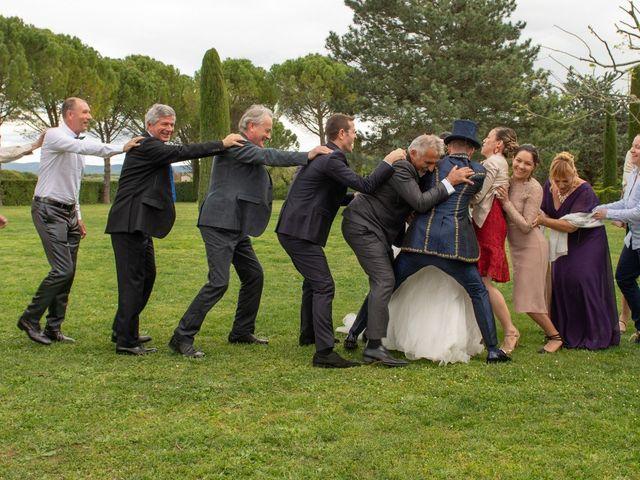 Le mariage de Yoann et Eva à Crillon le Brave, Vaucluse 43