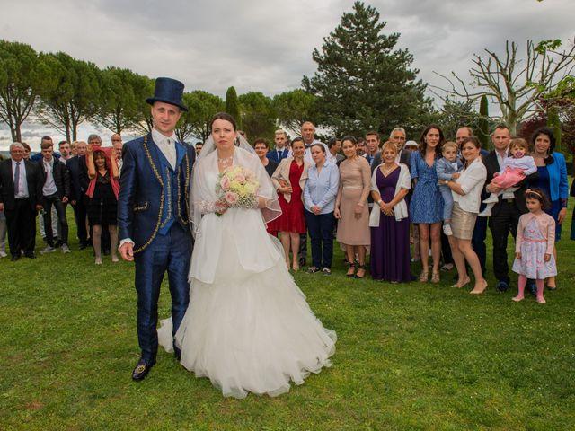 Le mariage de Yoann et Eva à Crillon le Brave, Vaucluse 44