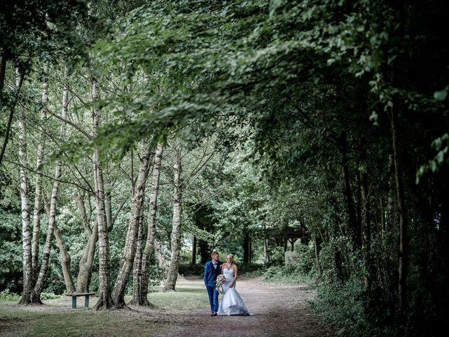 Le mariage de Rodrigue et Mélanie à Vendin-le-Vieil, Pas-de-Calais 2