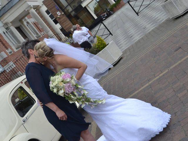 Le mariage de Rodrigue et Mélanie à Vendin-le-Vieil, Pas-de-Calais 12