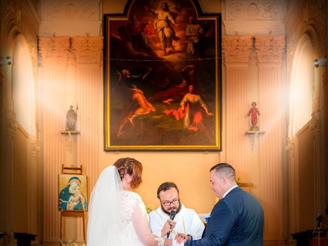 Le mariage de Camille et Émeline à Roost-Warendin, Nord 27