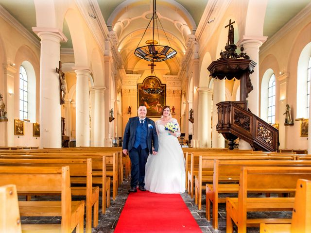 Le mariage de Camille et Émeline à Roost-Warendin, Nord 34