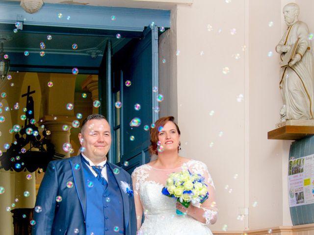 Le mariage de Camille et Émeline à Roost-Warendin, Nord 35
