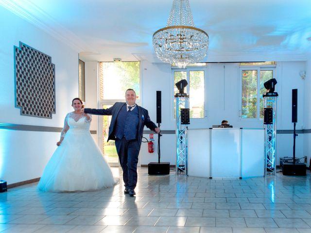 Le mariage de Camille et Émeline à Roost-Warendin, Nord 54