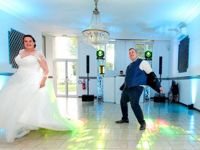 Le mariage de Camille et Émeline à Roost-Warendin, Nord 55