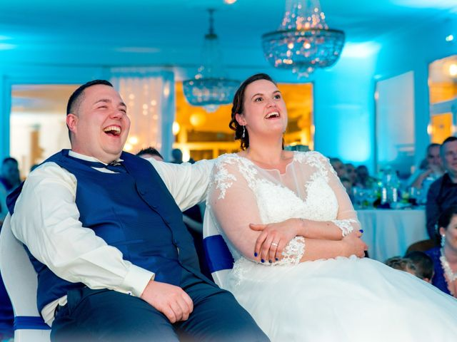 Le mariage de Camille et Émeline à Roost-Warendin, Nord 59