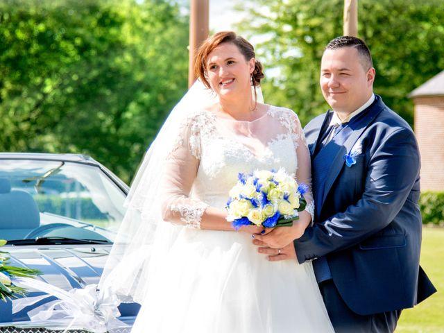Le mariage de Camille et Émeline à Roost-Warendin, Nord 74