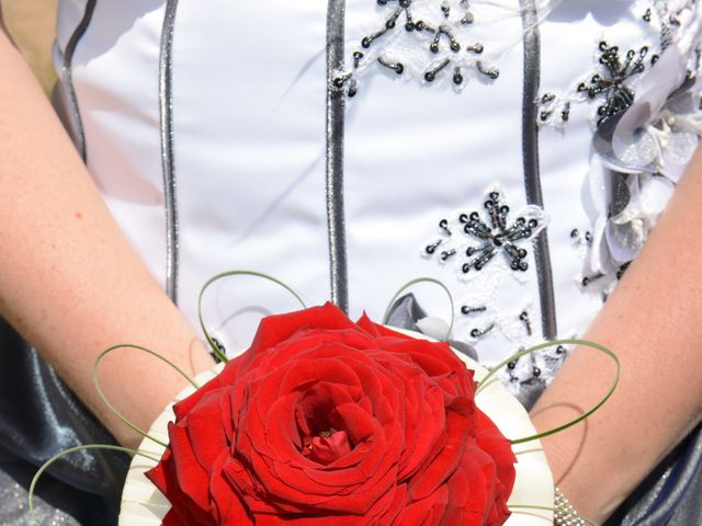 Le mariage de Jennifer et Romain à Carcassonne, Aude 6