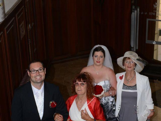 Le mariage de Jennifer et Romain à Carcassonne, Aude 8