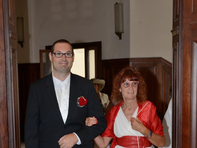 Le mariage de Jennifer et Romain à Carcassonne, Aude 9