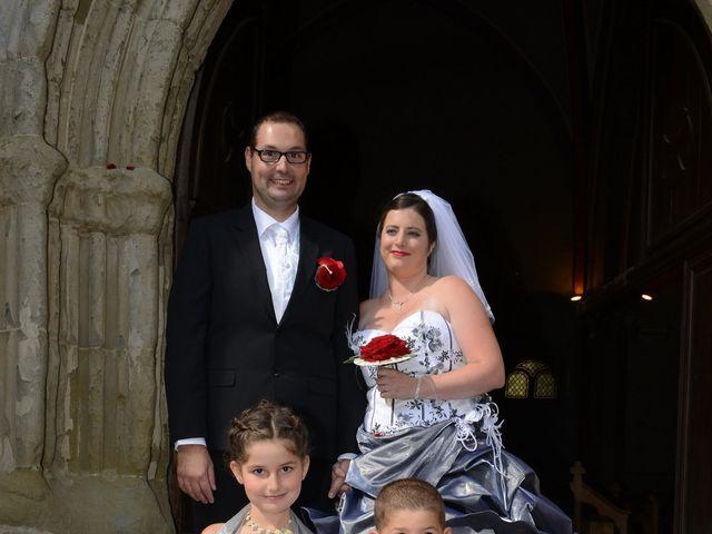 Le mariage de Jennifer et Romain à Carcassonne, Aude 32