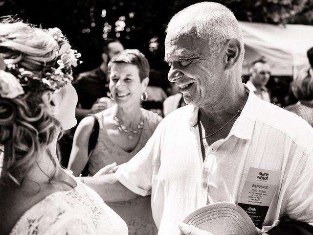 Le mariage de Julien et Marie à Cléguérec, Morbihan 60