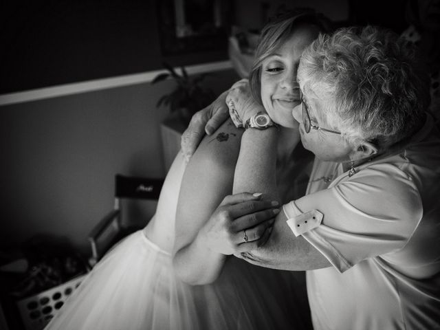 Le mariage de Alexis et Cindy à L'Isle-Jourdain, Gers 9