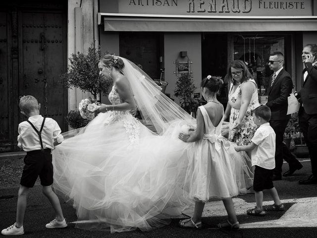 Le mariage de Alexis et Cindy à L'Isle-Jourdain, Gers 15