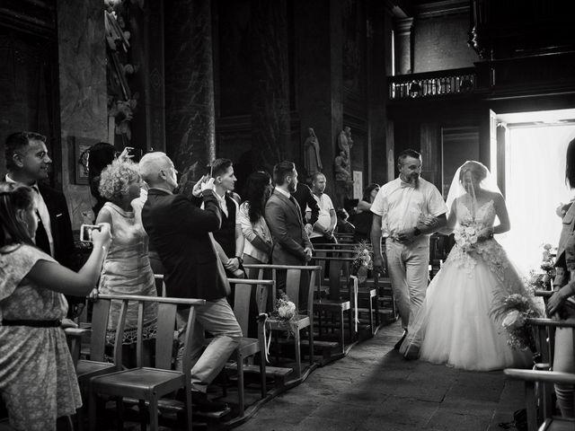 Le mariage de Alexis et Cindy à L'Isle-Jourdain, Gers 16