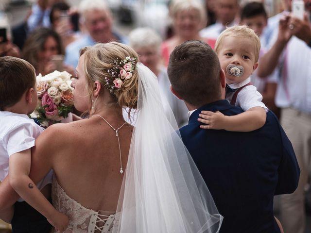 Le mariage de Alexis et Cindy à L'Isle-Jourdain, Gers 24