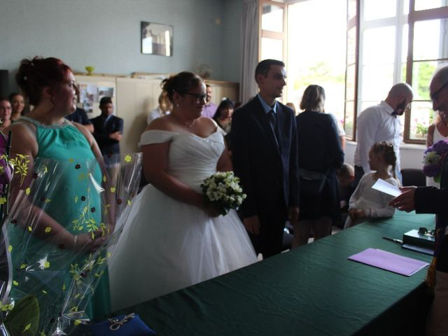 Le mariage de Damien et Magalie à Salon-la-Tour, Corrèze 15
