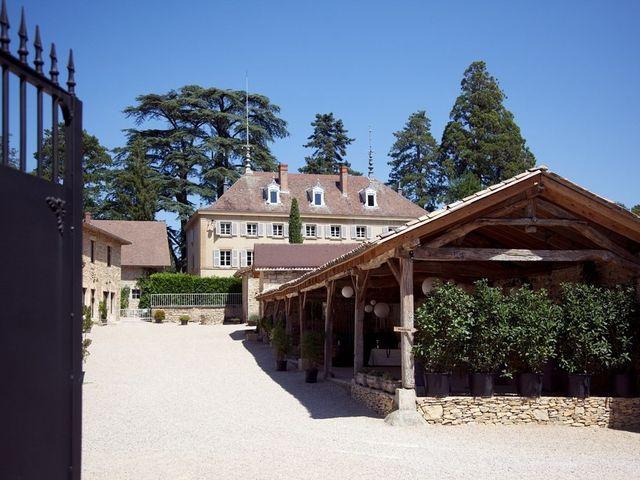 Le mariage de Julien et Victoria à Saint-Marcel-Bel-Accueil, Isère 1