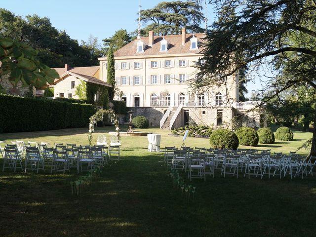 Le mariage de Julien et Victoria à Saint-Marcel-Bel-Accueil, Isère 2