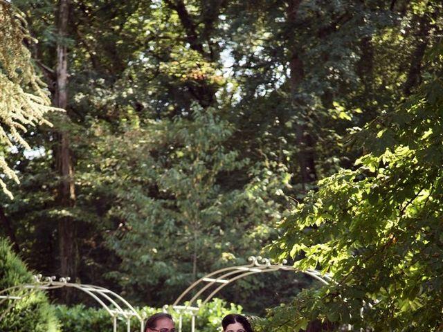 Le mariage de Julien et Victoria à Saint-Marcel-Bel-Accueil, Isère 8