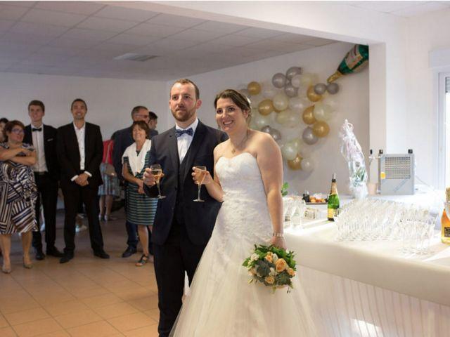 Le mariage de Stéphane et Nadège à Dompierre-les-Ormes, Saône et Loire 35