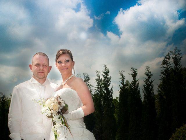 Le mariage de Michael et Jessica à Petite-Rosselle, Moselle 13