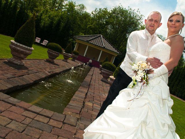 Le mariage de Michael et Jessica à Petite-Rosselle, Moselle 18
