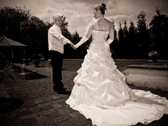 Le mariage de Michael et Jessica à Petite-Rosselle, Moselle 22