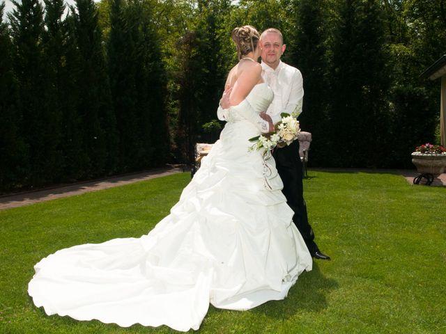 Le mariage de Michael et Jessica à Petite-Rosselle, Moselle 24