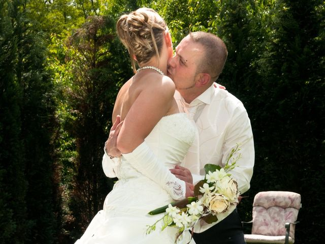 Le mariage de Michael et Jessica à Petite-Rosselle, Moselle 25