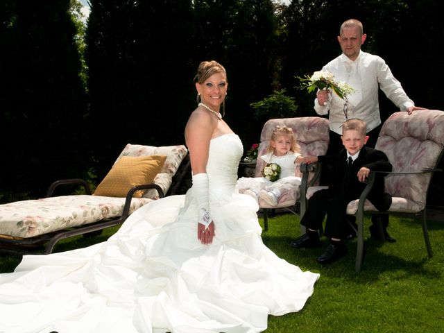 Le mariage de Michael et Jessica à Petite-Rosselle, Moselle 30