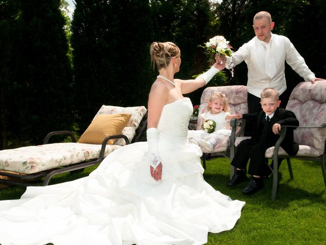 Le mariage de Michael et Jessica à Petite-Rosselle, Moselle 32