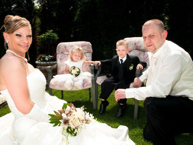 Le mariage de Michael et Jessica à Petite-Rosselle, Moselle 33