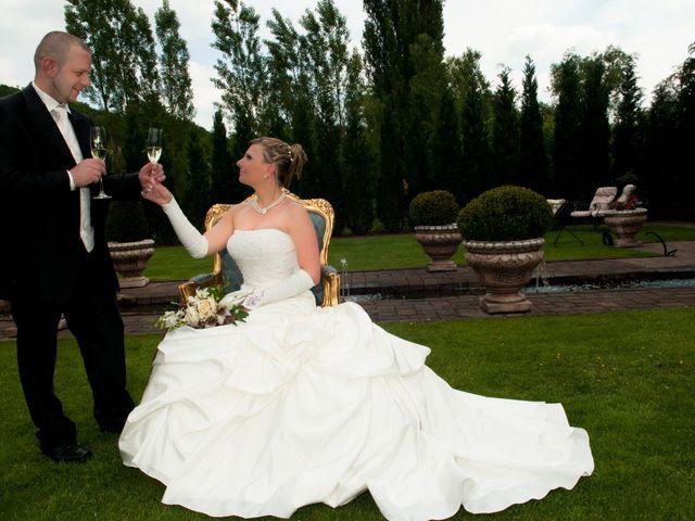Le mariage de Michael et Jessica à Petite-Rosselle, Moselle 90
