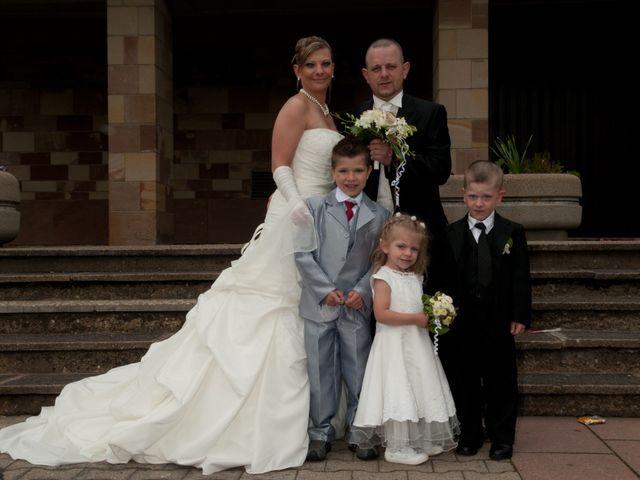 Le mariage de Michael et Jessica à Petite-Rosselle, Moselle 175