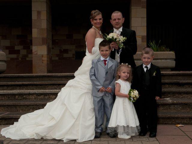 Le mariage de Michael et Jessica à Petite-Rosselle, Moselle 176