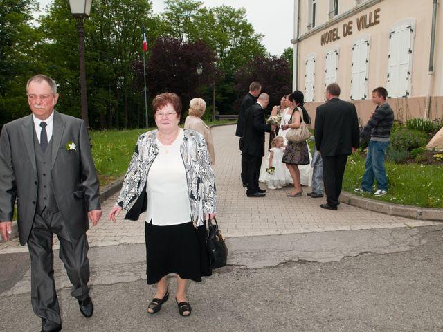 Le mariage de Michael et Jessica à Petite-Rosselle, Moselle 240