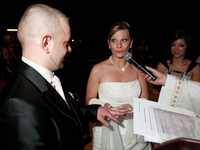 Le mariage de Michael et Jessica à Petite-Rosselle, Moselle 324