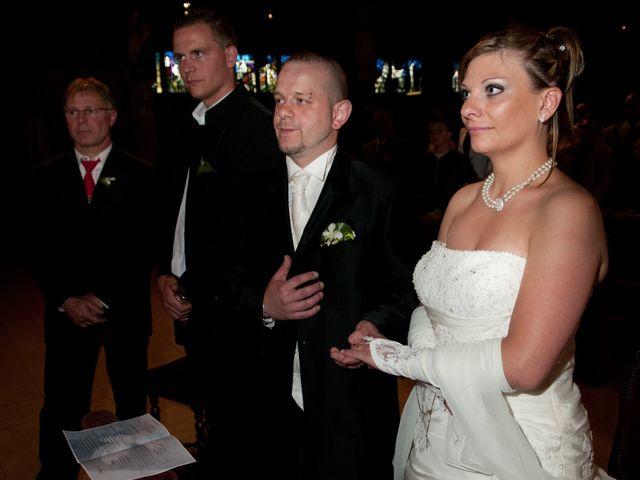 Le mariage de Michael et Jessica à Petite-Rosselle, Moselle 334