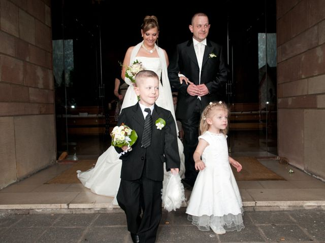 Le mariage de Michael et Jessica à Petite-Rosselle, Moselle 375