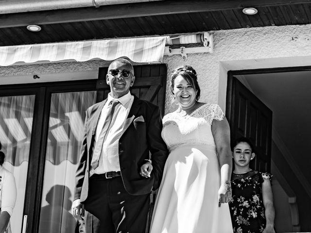 Le mariage de Célia et Oumar à Charvieu-Chavagneux, Isère 4