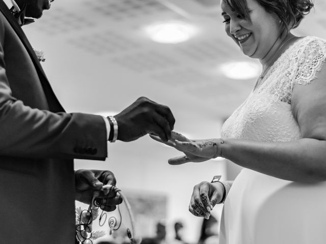 Le mariage de Célia et Oumar à Charvieu-Chavagneux, Isère 12
