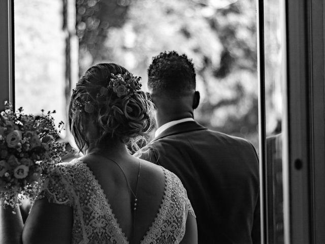 Le mariage de Célia et Oumar à Charvieu-Chavagneux, Isère 15