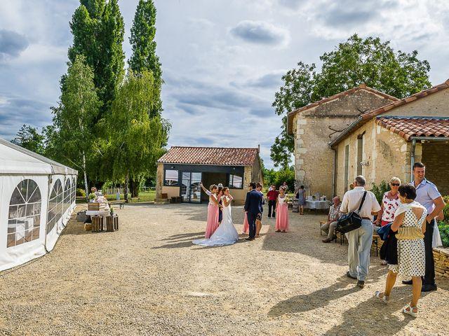 Le mariage de Pierre et Tiffany à Orches, Vienne 21