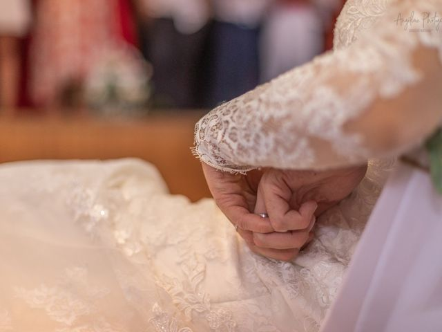 Le mariage de Anthony et Anne-Laure à Chemazé, Mayenne 25