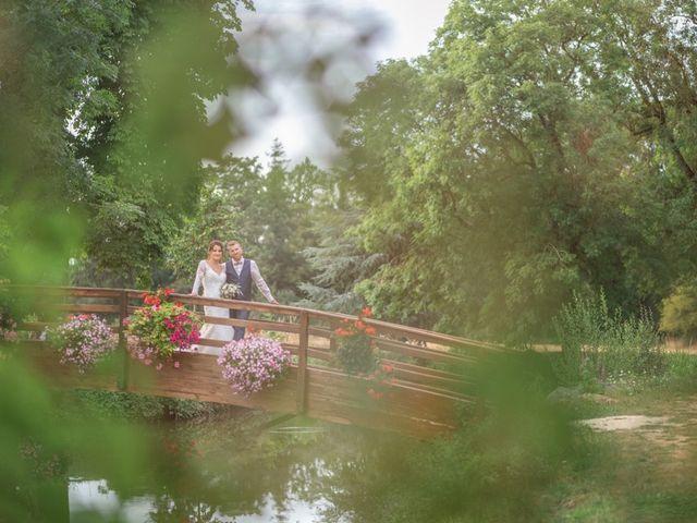 Le mariage de Anthony et Anne-Laure à Chemazé, Mayenne 42