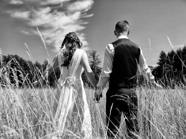 Le mariage de Marylène et Christophe à Yssingeaux, Haute-Loire 35