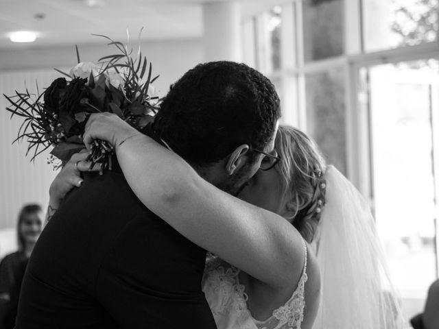 Le mariage de Geoffrey et Julie à Tournon-sur-Rhône, Ardèche 15
