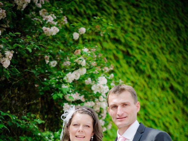 Le mariage de Cyrille et Magali à Champlive, Doubs 13